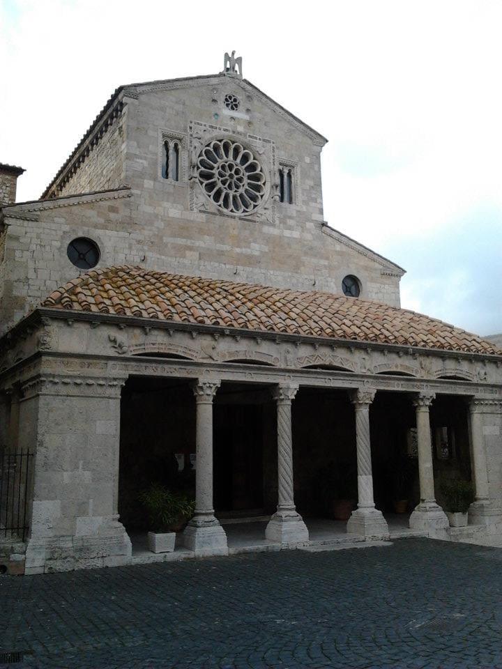 La Chiesa Collegiata XI secolo (website hidden)_in_Teverina