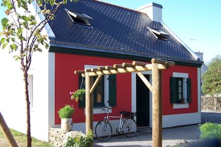 Grand confort et charme typique sur l'île de Groix - Groix - Hus