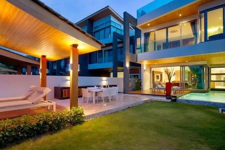 Beachfront 3 bedroom house Phuket - Ev