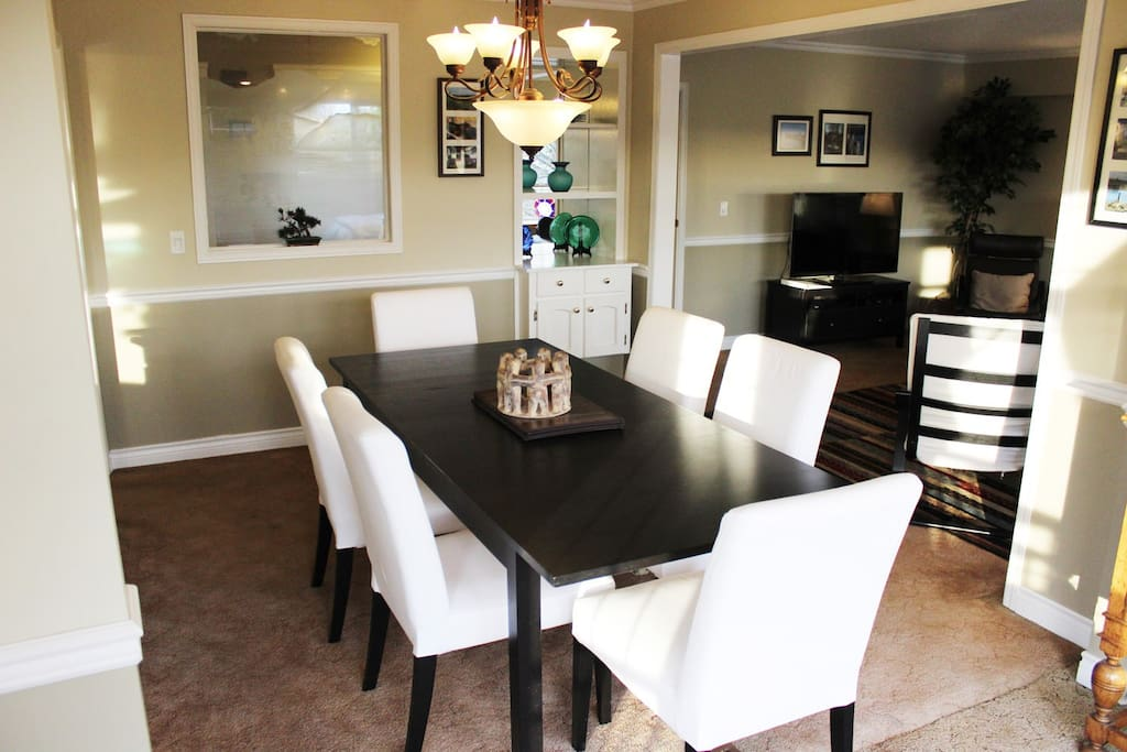 Main Dinning room/ Table expands to seat up to 10