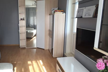 Cozy room w balcony near Subway Annino, 22d floor - Apartment