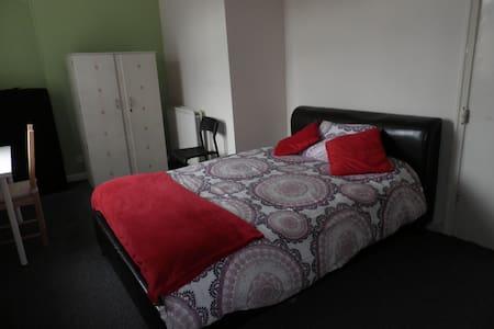 Room in great location - Lägenhet