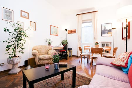 Cozy flat in Central Milan