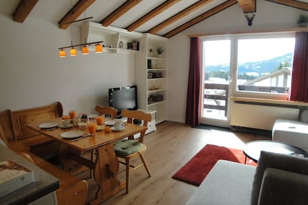 Newly renovated ski chalet - Lägenhet