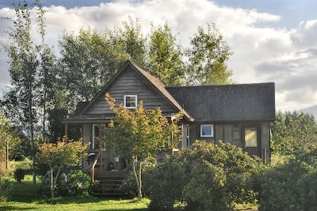 Rog's Retreat at Stockhouses Farm - Cathlamet - Bed & Breakfast