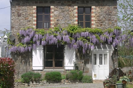 B&B with pool Nr. Le Mont St Michel - Hus