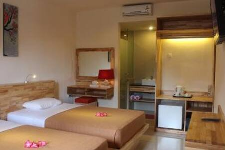 Hotel Karthi | Best location @ Kuta