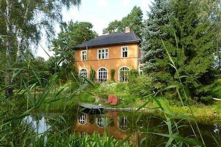 Villa am Berliner Stadtrand  - Casa
