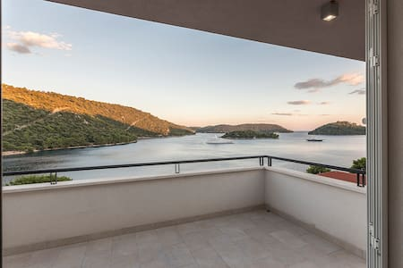 Modern Apartment Pasadur Lastovo near the beach - Apartment