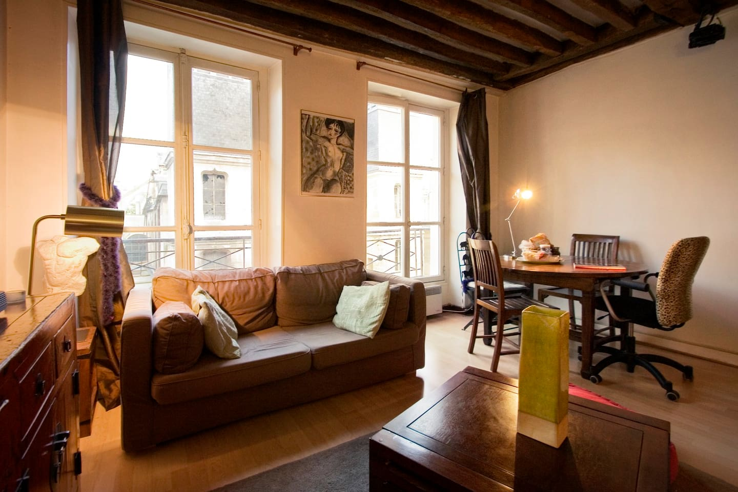 Central Paris cosy flat with 1 BDR