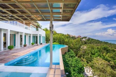 White villa with stunning sea views