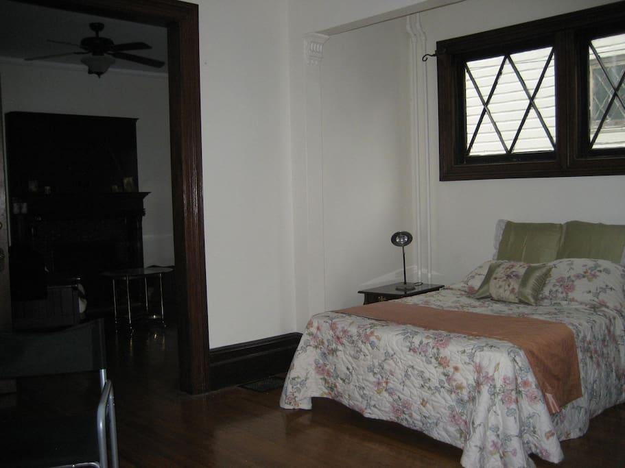 large bedroom, queen size bed