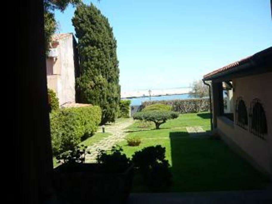 Giardino comune, vista dal portico
