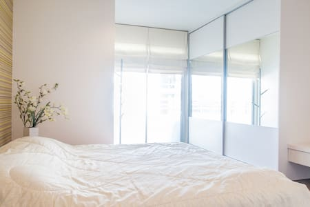2BR near BTS,58sqm with living room