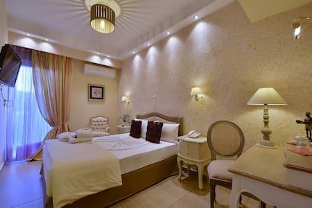 DOUBLE ROOM - Anixi - Bed & Breakfast