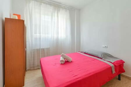 Cozy and clean Double Room in Santa Eulalia Ibiza! - Apartment