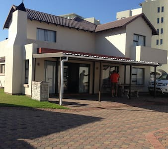 Beach Apartment in save complex - Mossel Bay
