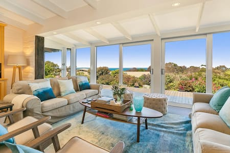 """The Outlook"" - Fabulous Beach House with Views - House"