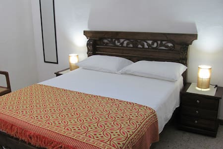 Old city- Great location whole apartment- AC-WIFI - Byt