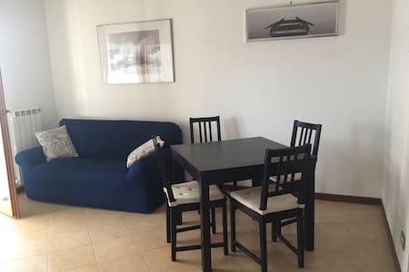 Bilocale  confortevole a Roma Est - Apartment