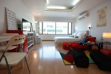 New Private Studio near Downtown Hongdae - Condominium