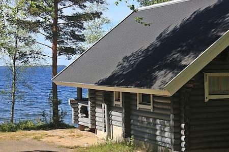 Traditional cabin Lakeside Beaver - Kesälahti