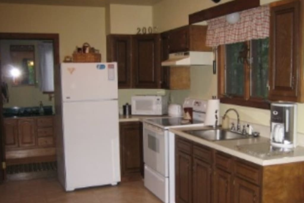Fully stocked kitchen lets you make yourself at home and allows you to eat in or check out the many great dining options in the Bethel Region.