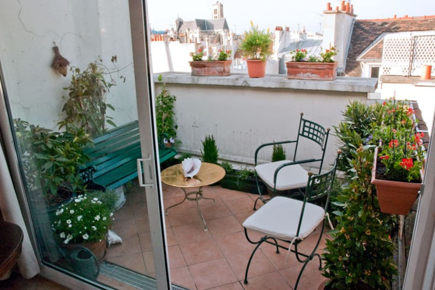 Private flowered terrace