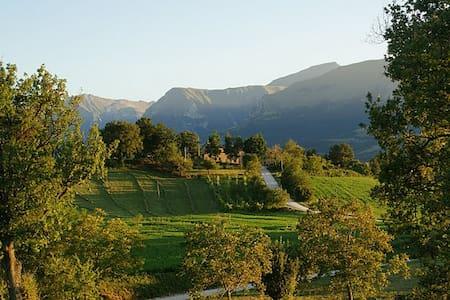 Country house: Amandola, Italy - Haus
