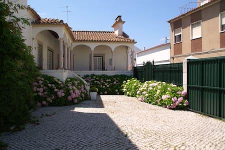 Casa da Lourinhã - Rumah