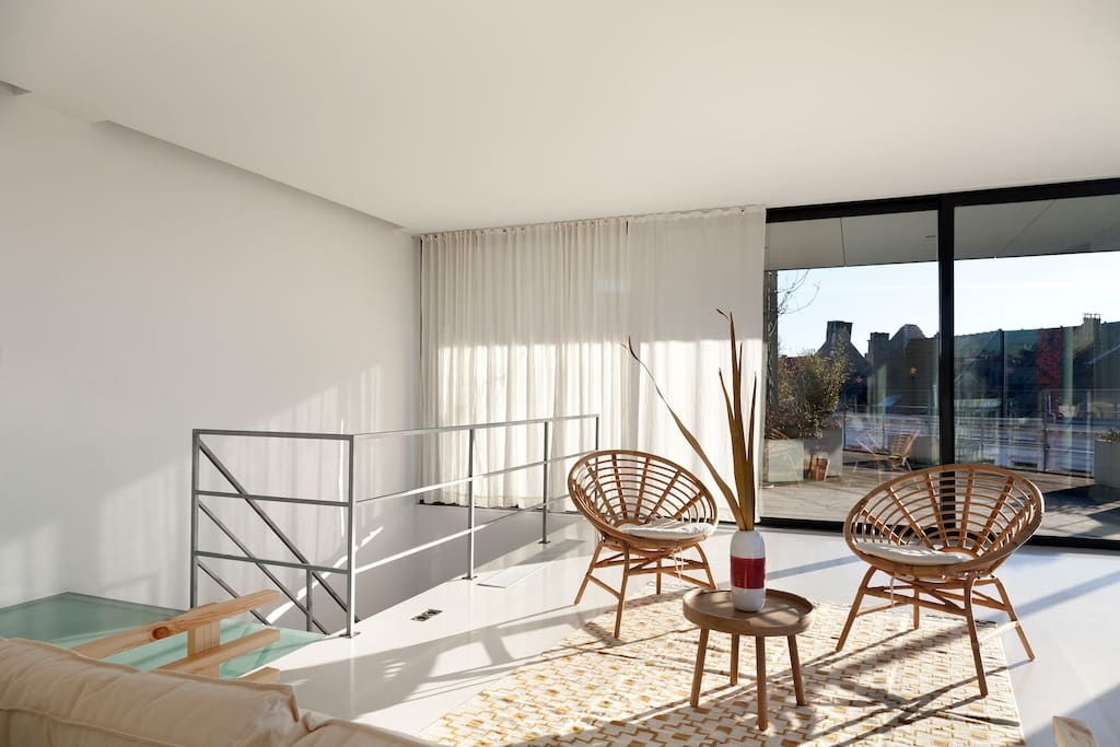Whitebox loft with a VIEW!!!
