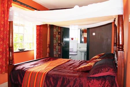 Nkoroi Private En-Suite Room  - Nairobi - Hus