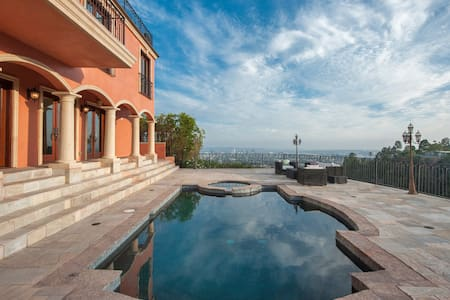 Hollywood Hills View Estate & guest - Los Angeles