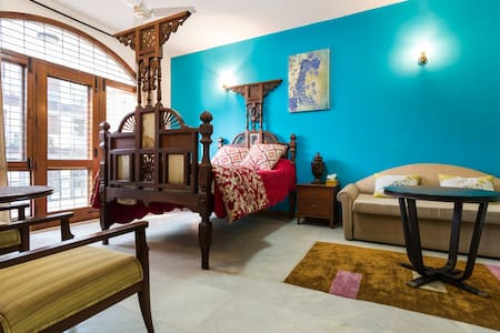 Happy home !- Posh south Delhi Apt. - Huoneisto