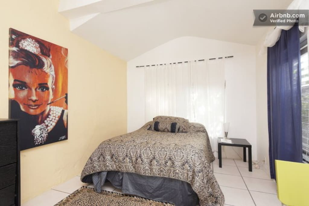 Beautiful Studio on Espanola Way!