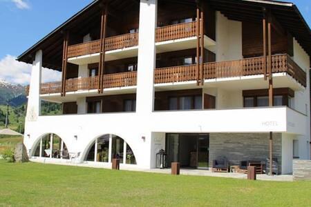 2.5 Zimmer Ferienwohnung an Toplage - Guesthouse