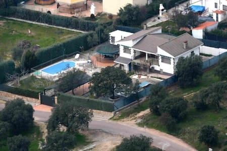 Chalet independiente con piscina para 12 personas - Cardiel de los Montes - Chalet