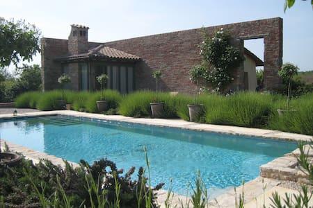 Unique 1 bedroom villa in Tuscany - Vila
