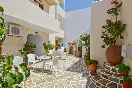 Margo's Single Room - Naxos - Bed & Breakfast