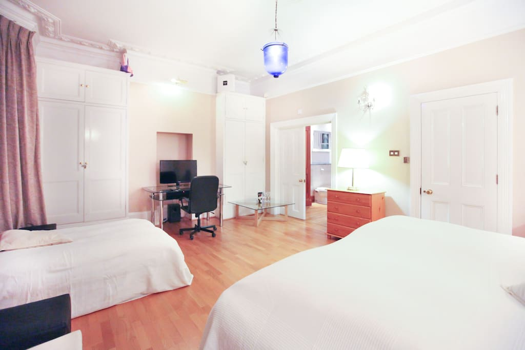 View on additional Queensize bed and ensuite bathroom