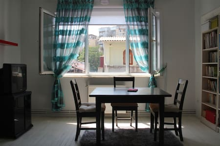 Wonderful Room in Cihangir/Taksim