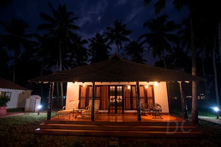 Royal Luxury Cottage  - Varkala - Villa