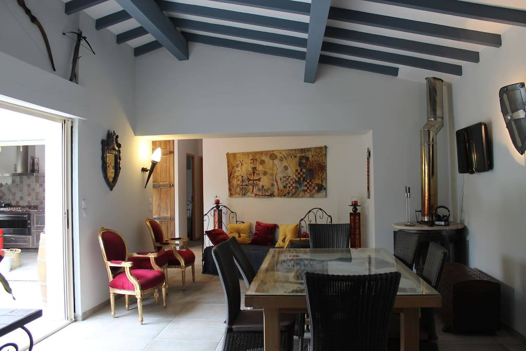 Welcome to the beautiful La villa Médiévale in Carcassonne and enjoy your holidays ...