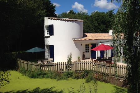 La Tourelle Enchantee - Gite - Villa