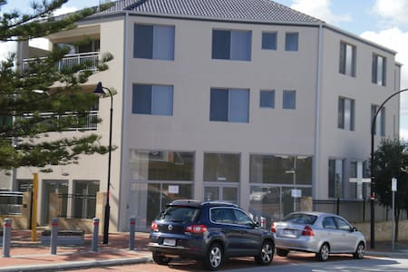 Ocean Keys Apartments - Apartament