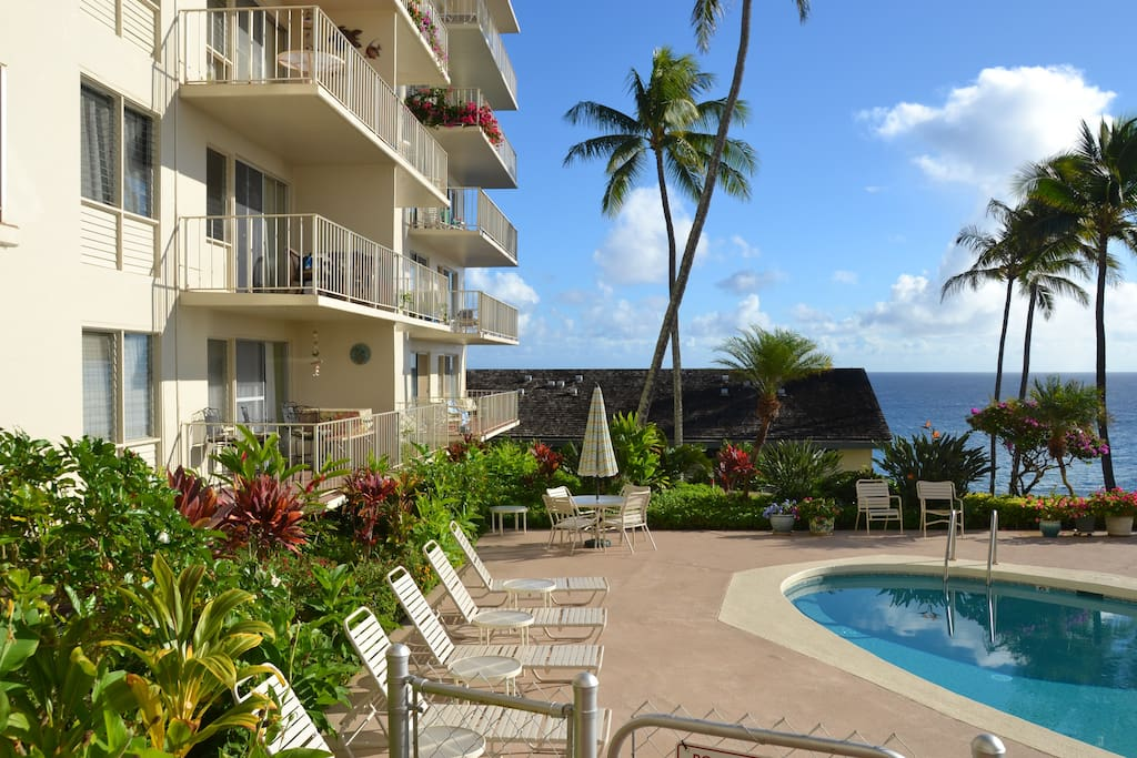 Fabulous location with ocean views!  Just a 6 min walk to Poipu