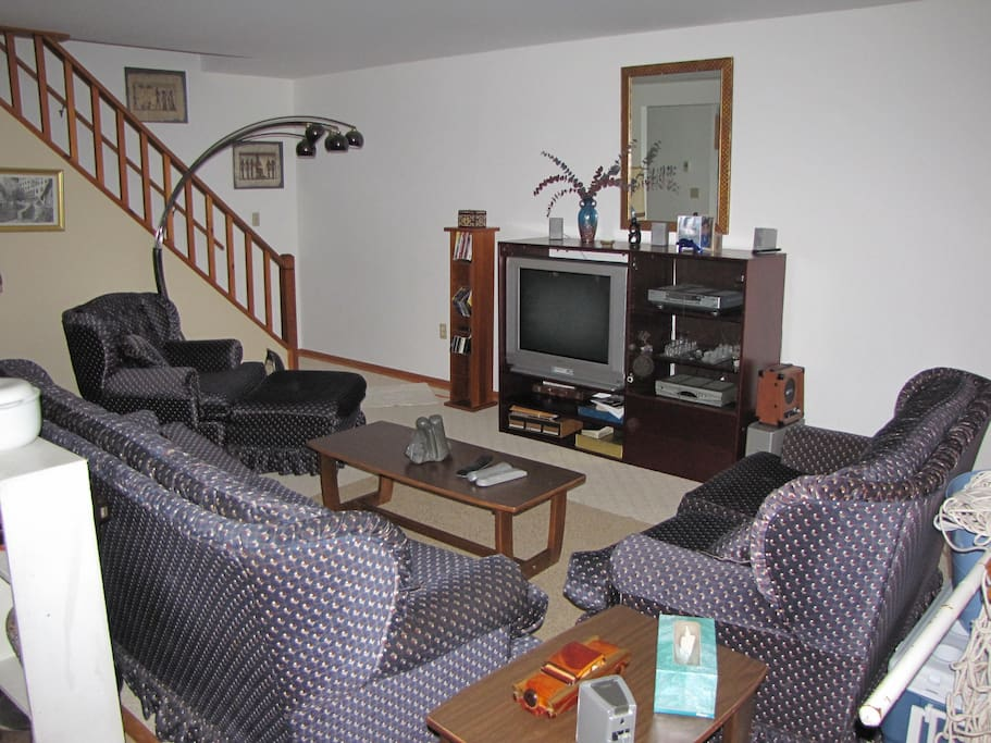 Our beautiful living room is wonderful for relaxing, listening to music, playing board games, or watching a good movie! CABLE/DVR, one HDMI port on the TV, and WIFI is available, bring your CD's, DVD's and laptops.