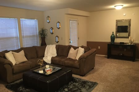 Luxury Apartment in Broken Arrow - Apartament
