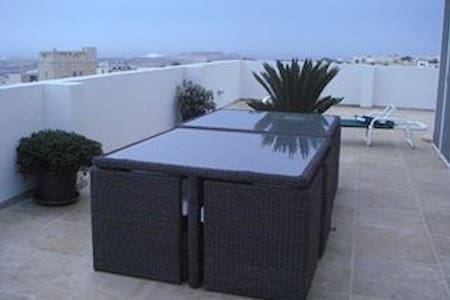 Beautiful penthouse with pool,2 rms x 2 beds each - Apartment