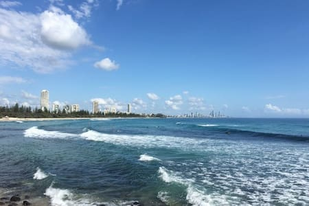 One bed unit 100m to Burleigh Beach - Burleigh Heads - Apartment